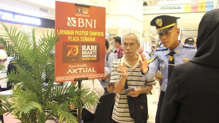 Kemenkumham RI menggandeng BNI untuk memberikan layanan penggantian serta permohonan pasport baru baik fisik maupun elektronik di luar hari kerja.