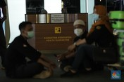 Penampakan Bandara Soekarno-Hatta yang Penuh Orang Bermasker