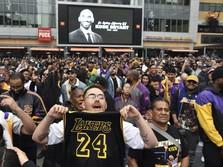 LA Berduka, Fans Kobe Bryant Menyemut di Jalanan