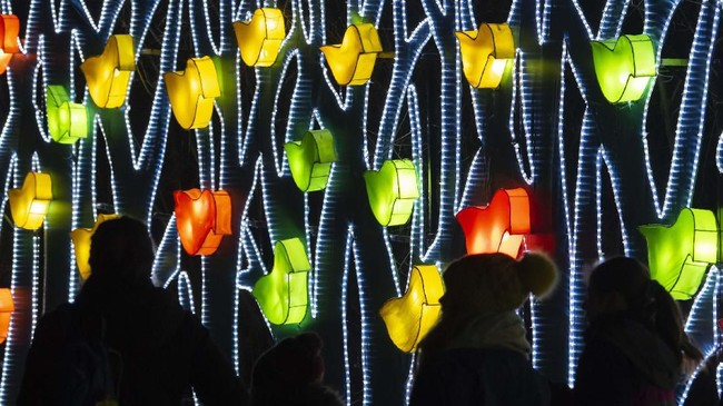 Festival ini bernama Magic Light World, bertema Myths, Fairy Tales & Legends, atau mitos, peri, dan legenda. (AP Photo/Jens Meyer)