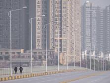 Viral! Video Teriakan Warga Wuhan yang Terisolasi