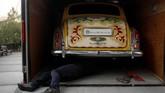 Rolls-Royce Phantom V limousine milik John Lennon ini masih terjaga kondisinya hingga menarik perhatian sejumlah kolektor otomotif dunia. (Chad Hipolito/The Canadian Press via AP)