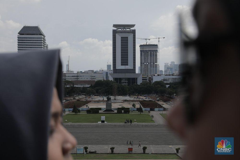 Pemprov DKI Jakarta dan DPRD DKI Jakarta sepakat menghentikan revitalisasi di kawasan Monas.