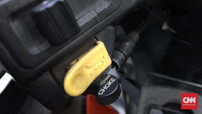 Guna Fitur Choke yang Kini Hilang di Motor Baru