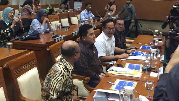 Menteri BUMN Erick Thohir menyadari banyak BUMN yang ternyata melenceng dari core bisnisnya.