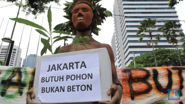 Revitalisasi Monas Ditolak: Jakarta Butuh Pohon Bukan Beton!