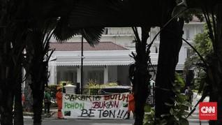 Walhi Demo Revitalisasi Monas, Tuntut Anies Tanam 190 Pohon