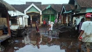 Banjir Bandang Bondowoso, 856 Warga Mengungsi