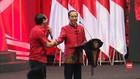 VIDEO: Presiden Jokowi Kasih Sepeda untuk Pria Mirip Ahok