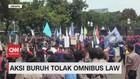 VIDEO: Geruduk Istana Negara, Aksi Buruh Tolak Omnibus Law