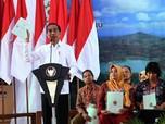 Jokowi Serahkan 3.218 Sertifikat Tanah di Yogyakarta