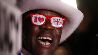 FOTO: Sorak Sorai dan Air Mata Warga Inggris Sambut Brexit