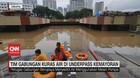 VIDEO: Tim Gabungan Kuras Air di Underpass Kemayoran