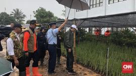 Jokowi Kembali Tinjau Desa Terdampak Longsor di Sukajaya