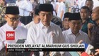 VIDEO: Presiden Jokowi Melayat Almarhum Gus Sholah