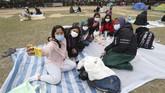 Meski kondisi para WNI baik-baik saja, sampai saat ini sudah 15 warga Hong Kong meninggal akibat terjangkit virus tersebut. (AP Photo/Achmad Ibrahim)