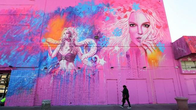 The Zone adalah nama museum pop-up yang merayakan segala hal tentang Britney Spears. Mulai dari lagu, video, sampai kostum. (Photo by Frederic J. BROWN / AFP)