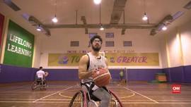 Deru Kursi Roda dan 'Lompatan' Bola Basket Amran