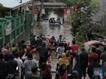 Banjir Setinggi Atap Rumah di Periuk, 1.200 Orang Diungsikan