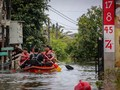 Banjir Rendam Jatiwarna Bekasi, Warga Mengungsi