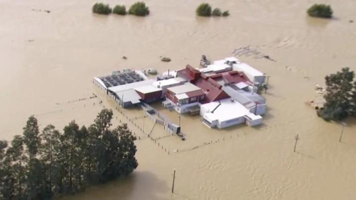 Curah Hujan yang tinggi menyebabkan banjir di Selandia Baru.