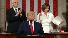 VIDEO: Ketua DPR AS Robek Naskah Pidato Trump