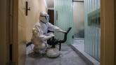 Pemerintah China saat ini kesulitan dalam menghadapi wabah virus corona yang merebak dengan cepat sejak akhir 2019. (Photo by STR / AFP) / China OUT