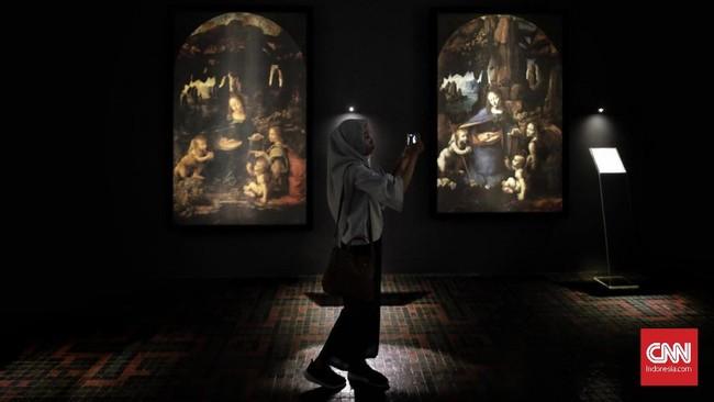 Di pameran, pengunjung dapat replika dari maha karya sang maestro yang dibuat pada rentang tahun 1470-1513, mulai dimensi terkecil sebesar 27,7 x 21 cm,sampai yang terbesarberukuran 460 x 880 cm. (CNN Indonesia/Adhi Wicaksono)