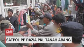 VIDEO: Satpol PP Razia PKL Tanah Abang Ricuh