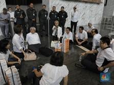 Ricuh! Pertemuan OJK-Nasabah Jiwasraya Jadi 'Tegang'