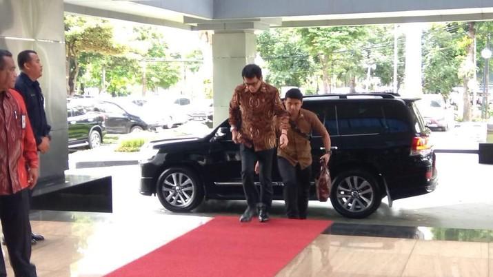 Beberapa jajaran menteri Kabinet Indonesia Maju sambangi kantor Menteri Keuangan Sri Mulyani.