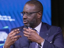 Skandal Mata-mata, CEO Bank Besar Ini Mundur