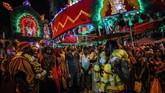 Orang Hindu merayakan acara ini terutama saat bulan purnama penuh, di bulan Tamil (Januari hingga Februari). Menurut para astrolog India, konstelasi Pusam akan jadi yang tertinggi di surga pada bulan ini.(Photo by Mohd RASFAN / AFP)