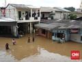 FOTO: Banjir Melanda Berbagai Lokasi di Jakarta