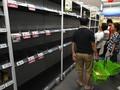 Panik Virus Corona, Warga Singapura Serbu Swalayan