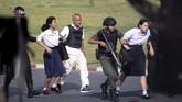 Dikutip dari AFP, berondongan tembakan masih terdengar hingga Minggu sebelum fajar. (AP Photo/Wason Wanichakorn)