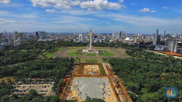 Revitalisasi monas sempat dihentikan lantaran ketiadaan izin dari Sekretariat Negara.