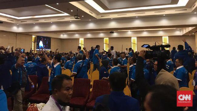 Kongres PAN Kembali Ricuh, Peserta Saling Lempar Kursi