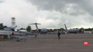 VIDEO: 'Dibayangi' Virus Corona, Singapore Airshow 2020 Sepi