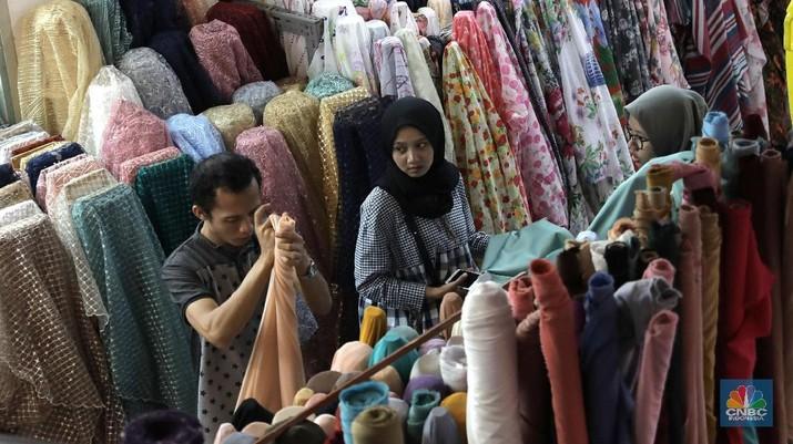 Virus Corona belum Mengganggu Industry Tekstil di Tanah Abang. (CNBC Indonesia/Muhammad Sabki)