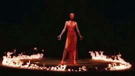 Alexander McQueen: Satu Dekade Wafat dan Legacy Fashion Dunia