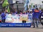 Buruh Demo di DPR, Tolak Omnibus Law 'Cilaka'