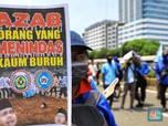 Mengintip Poster-Poster Curhat Colongan Buruh Saat Demo DPR