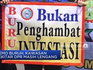 Buruh Demo di Gedung DPR Tolak RUU Omnibus Law Cilaka