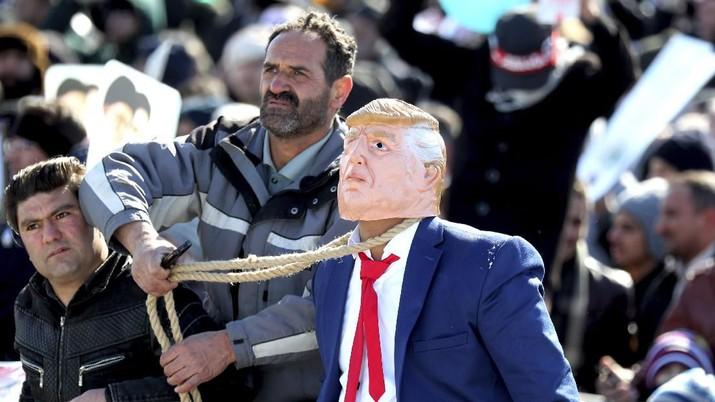 Presiden Amerika Serikat (AS) Donald Trump tidak akan lagi bisa memerintahkan negaranya untuk meluncurkan serangan pada Iran.
