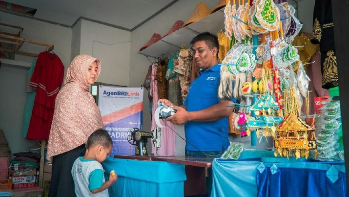 Hingga akhir tahun 2019, tercatat transaksi di kantor cabang BRI tersisa 10,1% dari seluruh total transaksi keuangan di bank terbesar di Indonesia ini.