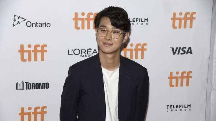 Wajahnya sering wara-wiri di layar kaca dan layar lebar Korea, meski tak pernah jadi pemeran utama. Film ' Parasite' membuat namanya go internasional.