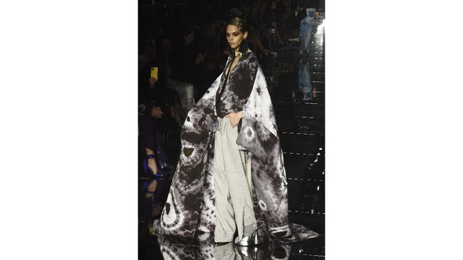 Tom Ford, chairman dari Council of Fashion Designers of America memindahkan show agar lebihfokus pada salah satu malam paling penting untuk fashion, Oscar 2020(AP Photo/Chris Pizzello)