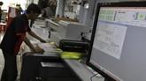 IDC juga mengungkapkan bahwa industri penerbitan, percetakan, packaging dan iklan akan terus bertumbuh. (CNN Indonesia/Adhi Wicaksono).