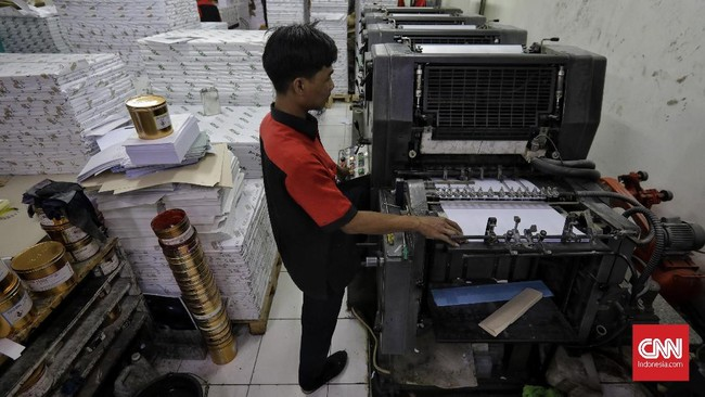 Tahun ini, pertumbuhan industri percetakan dan printing diprediksi mencapai US$47,2 miliar di seluruh dunia. Di Indonesia sendiri, industri penerbitan diprediksi tumbuh menjadi 14,9 persen. (CNN Indonesia/Adhi Wicaksono).